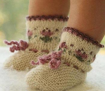 Носочки с орнаментом для самых маленьких