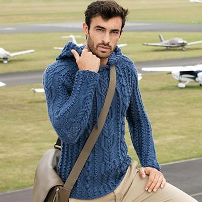 Мужской вязаный пуловер с капюшоном